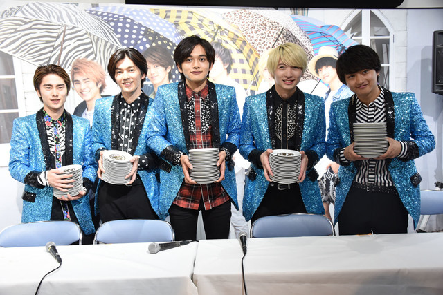 DISH// Binge Eat Sushi to Promote New Single; Give Their Empty Plates to Fans