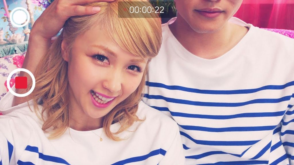 "Dream Ami releases smartphone-shot ""Kimi no Tonari"" PV"