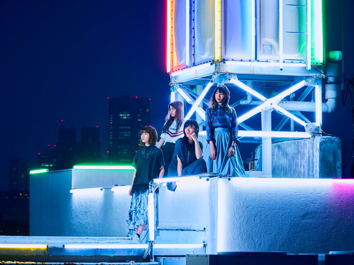 "Negoto perform amidst neon lights in PV for ""DANCER IN THE HANABIRA"""