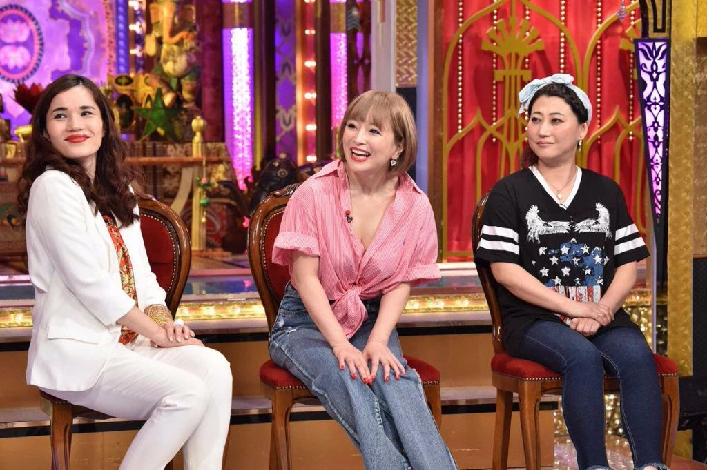 Ayumi Hamasaki Allegedly Brought 25 Staff Members for Variety Appearance