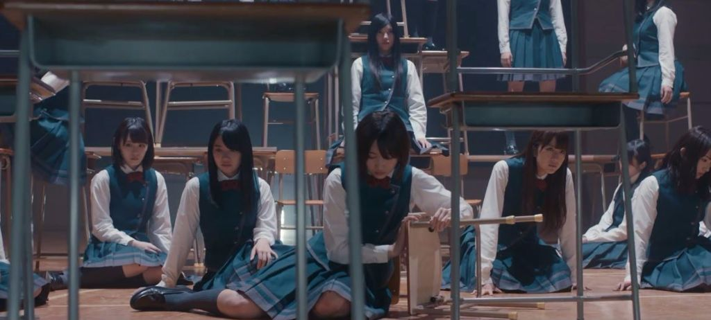 "Keyakizaka46 Embrace Their Quirks in New MV ""Eccentric"""