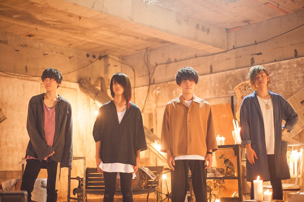 "Halo at Yojohan play their hearts out in PV for ""Euphoria"""