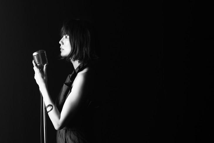 """Nagisa Kuroki takes a stroll on the moon in her PV for """"Kaihoku e no Tabi"""""""