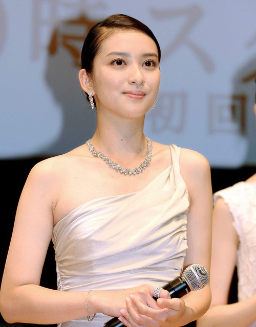 Takei Emi's marriage/ pregnancy affecting CMs, casting in Rurouni Kenshin, Fragile 2