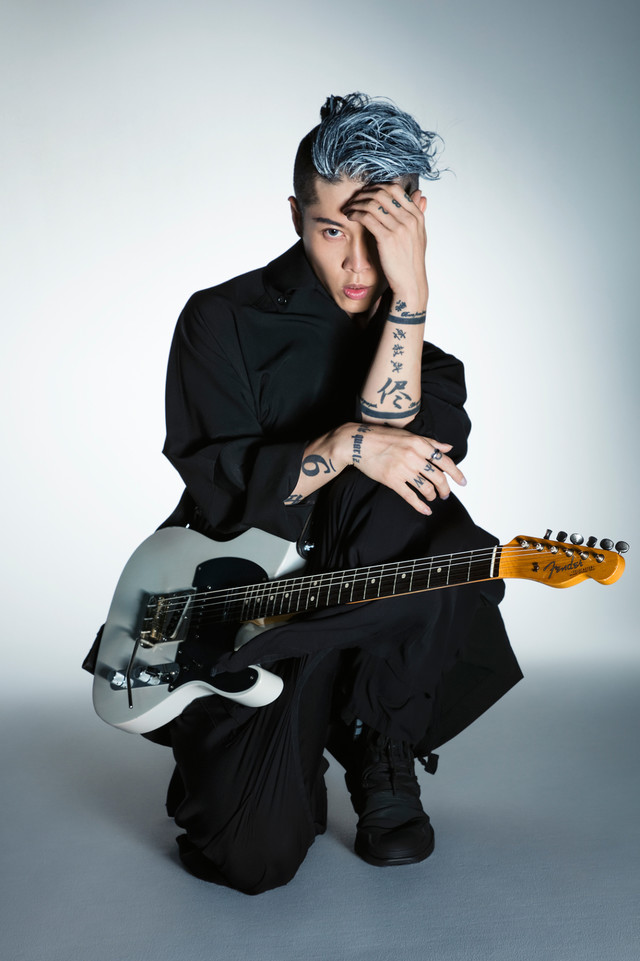 "MIYAVI Teams Up with Daichi Miura for ""Dancing With My Fingers"" PV"