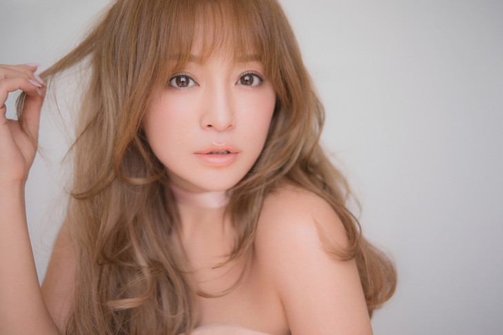Ayumi Hamasaki Kicks off her 20th Anniversary with Arena Tour