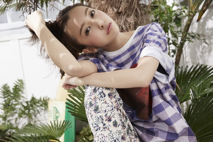Tomomi Itano RETURNS with brand new single and photobook