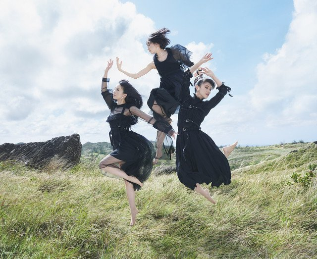 "Perfume announce release of new single ""Mugen Mirai"""