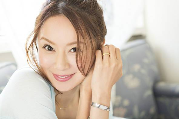 Avex begins plans for Ami Suzuki's 20th Anniversary!