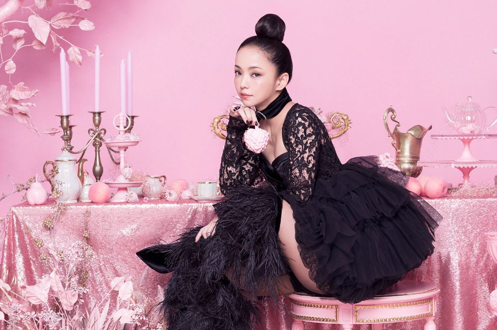 Tabloid apologizes for claiming Namie Amuro was brainwashed by a religious cult & had an affair