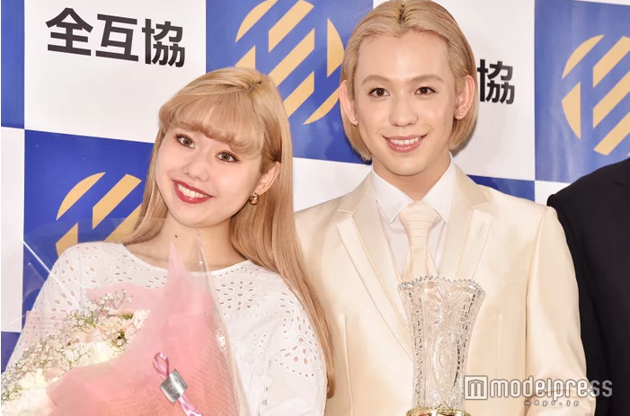 "Peco & Ryucheru take home gold at the first ""Best Wedding Awards"""