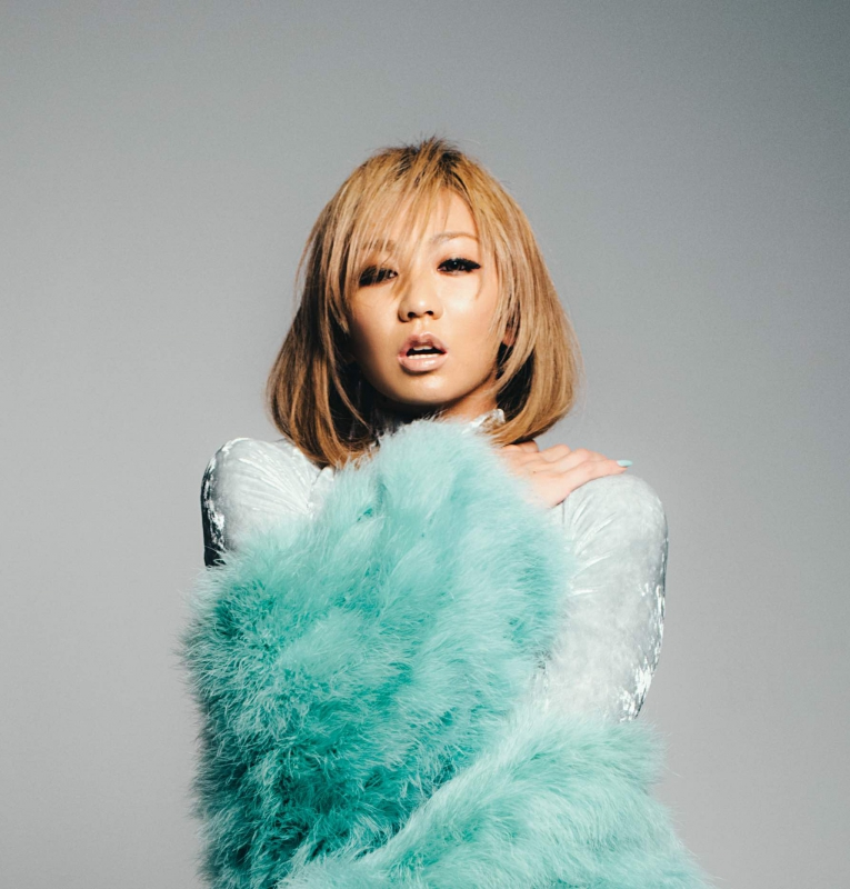 "Koda Kumi releases sexy visuals for 16th album ""DNA"""