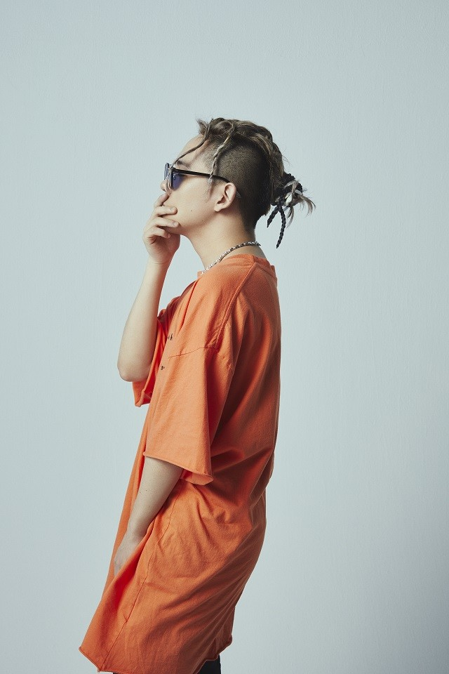 "Shota Shimizu and SALU Team Up for ""alone"""