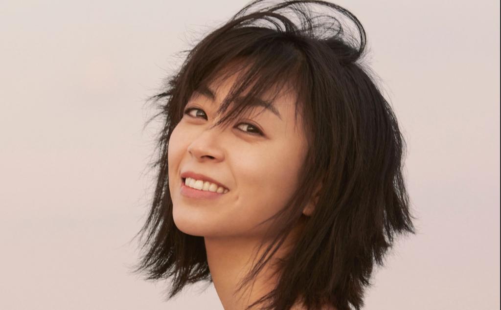 "Utada Hikaru releases 7th Japanese studio album ""Hatsukoi"""