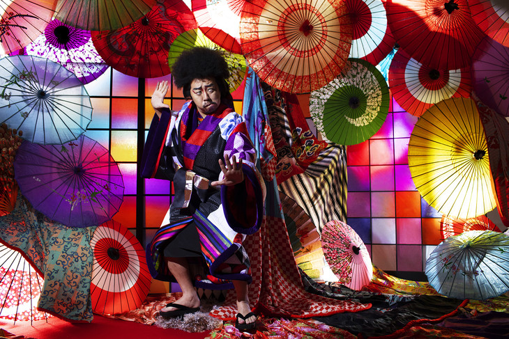"Rekishi steals hearts and duets with Daichi Miura in his Music Video for ""GOEMON"""