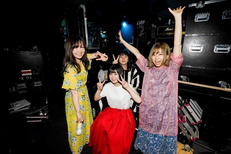 "Akai Koen spotlight New Vocalist Riko Ishino in their Music Video for ""Kienai"""