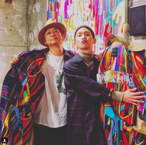 Shingo Katori gifts SHINee member Key a coat!
