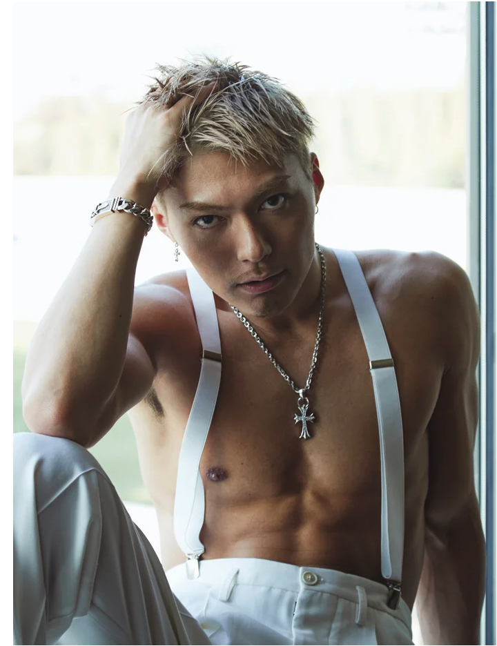 "EXILE SHOKICHI releases previews for his ""sexy"" photobook BYAKUYA"