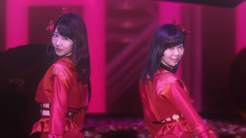 """Rino Sashihara & Yuki Kashiwagi team up for """"Zankokuna Ame"""""""