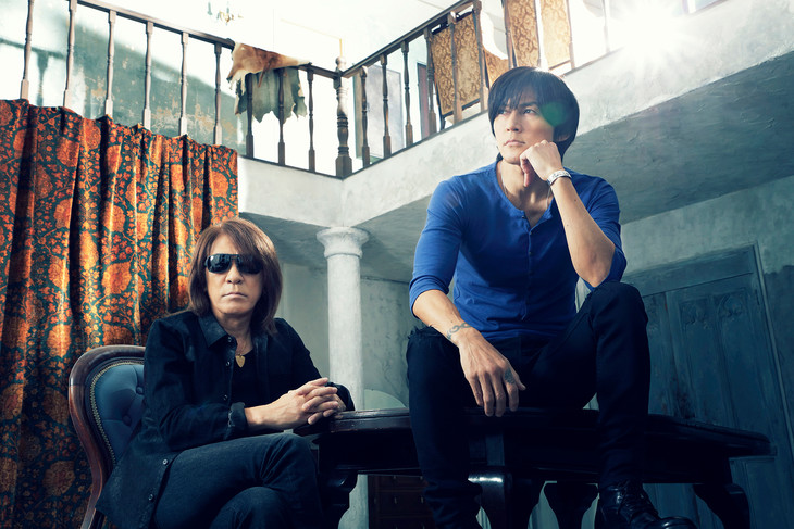 "B'z perform live from the studio in their PVs for ""WOLF"" and ""Majestic"""