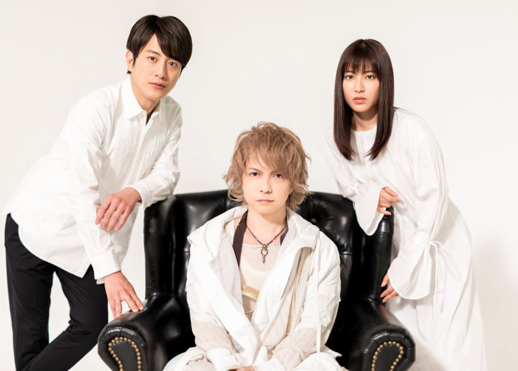"HYDE to provide theme for ""Kamen Dosokai"" starring Junpei Mizobata"