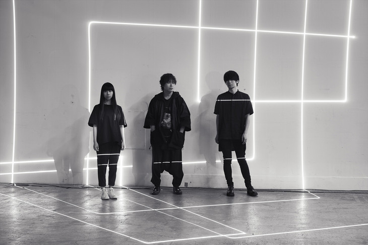 "Ling Tosite Sigure unveil their Short Music Videos for ""Neighbormind"" and ""laser beamer"""