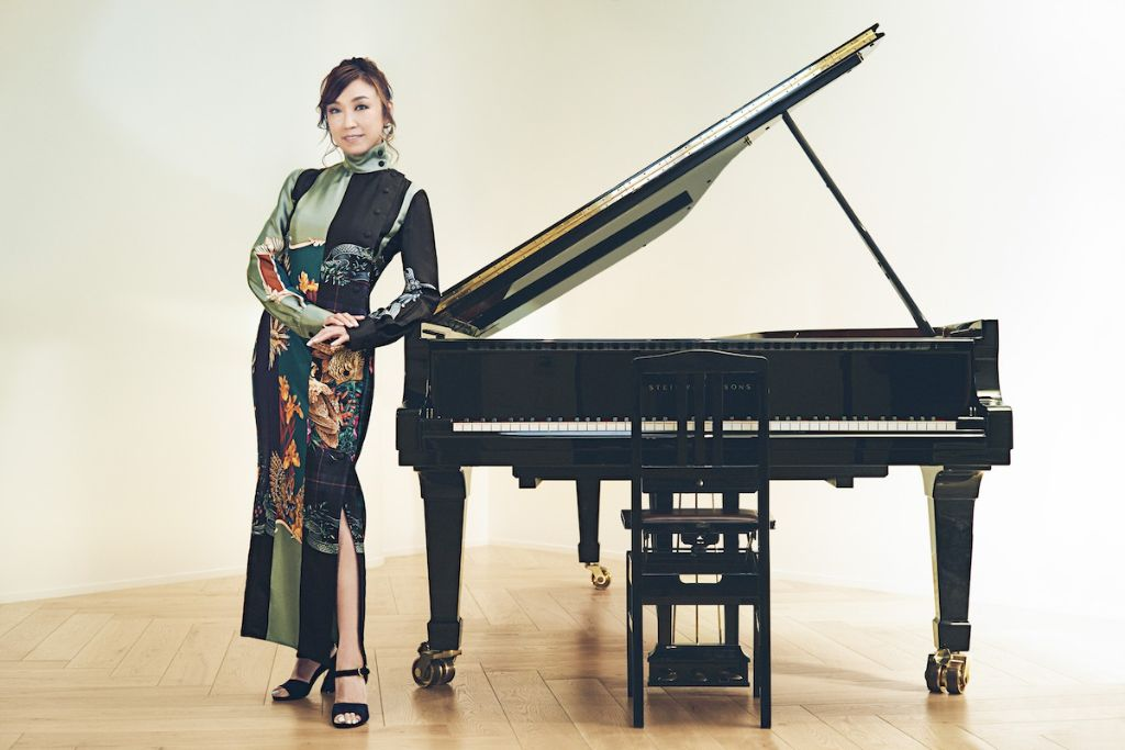 "Yumi Matsutoya merges past and present in her Music Video for ""Shinkai no Machi"""