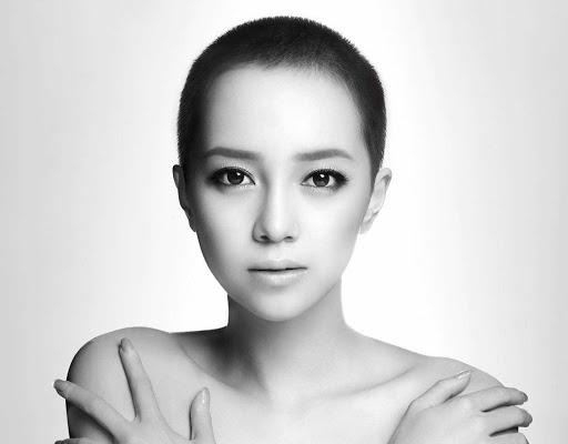 Yumi Ito (ICONIQ) quits avex