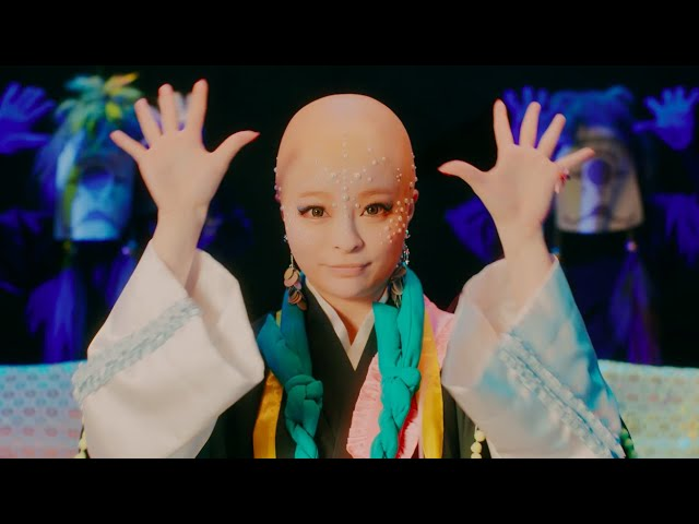 "See Kyary Pamyu Pamyu bald in her MV for ""KAMAITACHI"""