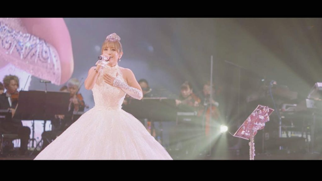 "Ayumi Hamasaki Releases 45 Minute ""SEASONS"" Live Video"