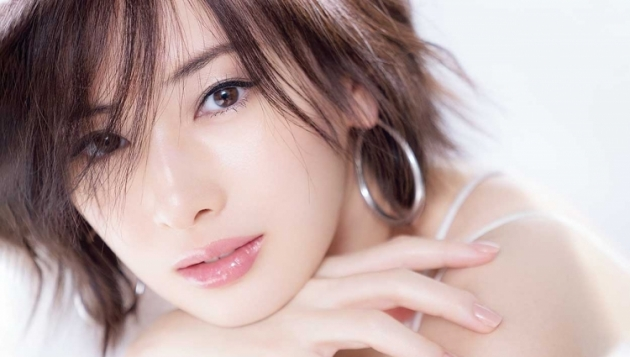 Keiko Kitagawa covers VoCE, her last magazine cover before giving birth
