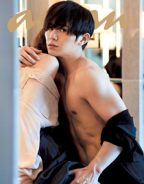 "Yamada Ryosuke of Hey! Say! JUMP Covers anan's ""Ai to SEX"" Issue"