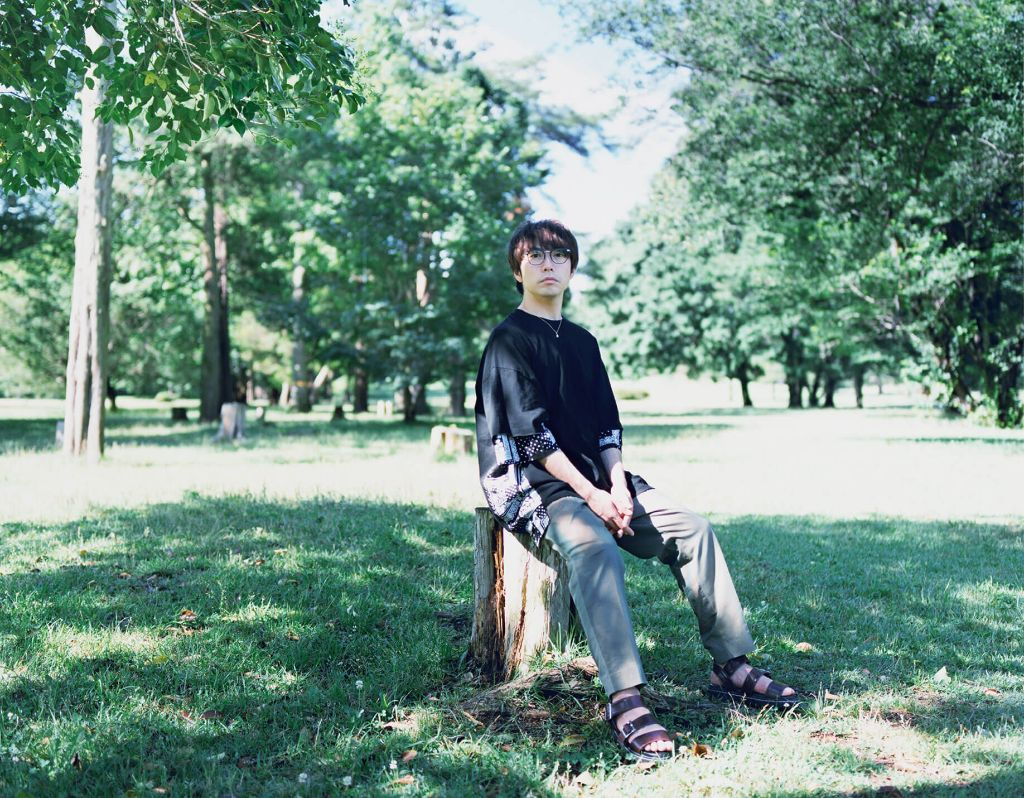 "Yu Takahashi explores contrast in his PVs for ""one stroke"" and ""room"""