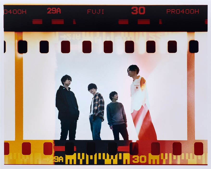 "BUMP OF CHICKEN unveil cinematic PV for ""Gravity"" & to release New Live DVD/Blu-ray"