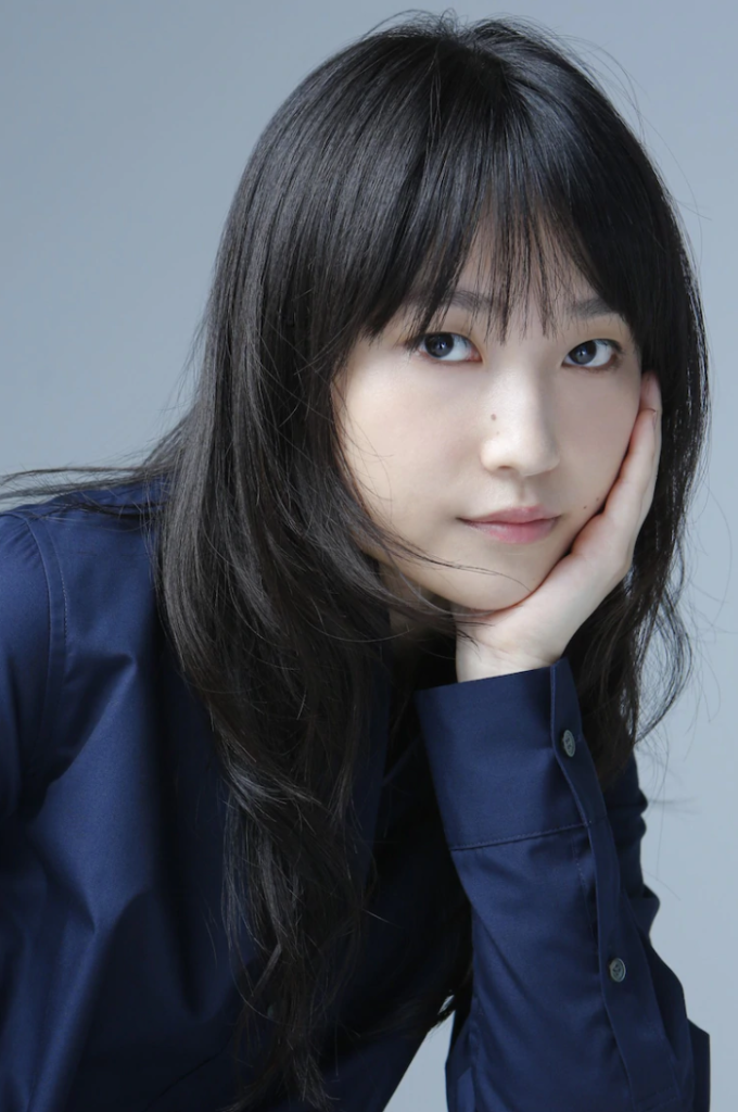 Former Morning Musume member Riho Sayashi debuts under new agency