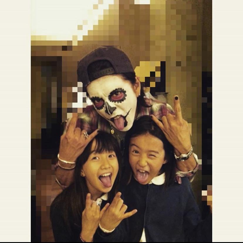 Koki & Cocomi share personal photos of Takuya Kimura for his birthday!