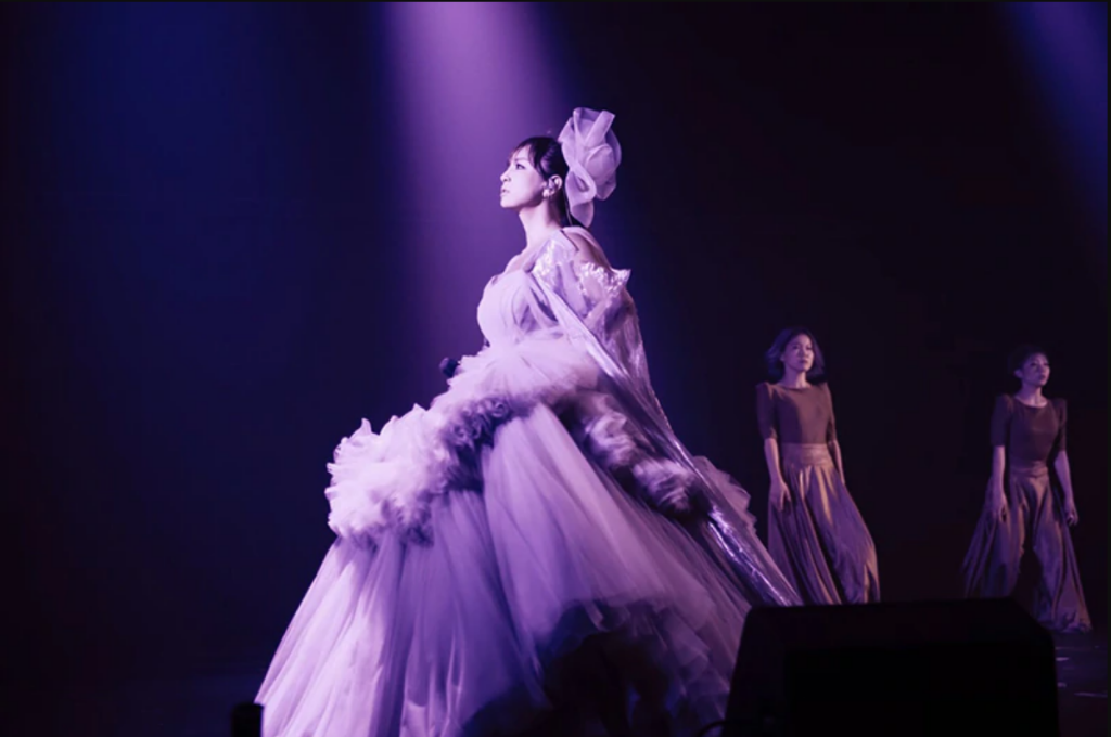 "Ayumi Hamasaki teases new song ""Pray for you"", uploads all of her CDL concerts to YouTube"