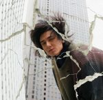 "Fujii Kaze Fights Himself in ""Hedemo Ne-Yo"" MV"