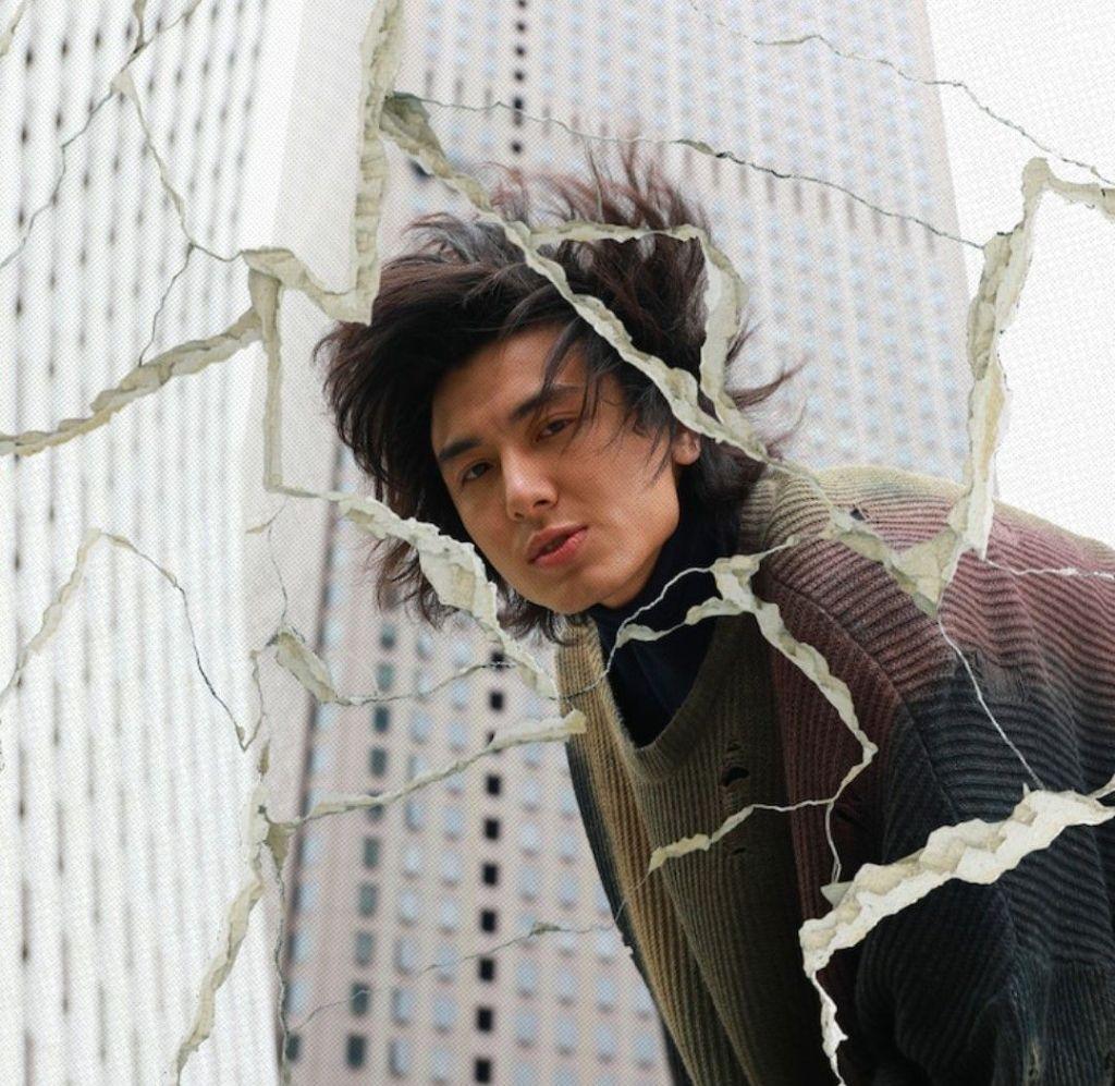 "Fujii Kaze Enjoys His Youth in ""Seishun Byou"" MV"