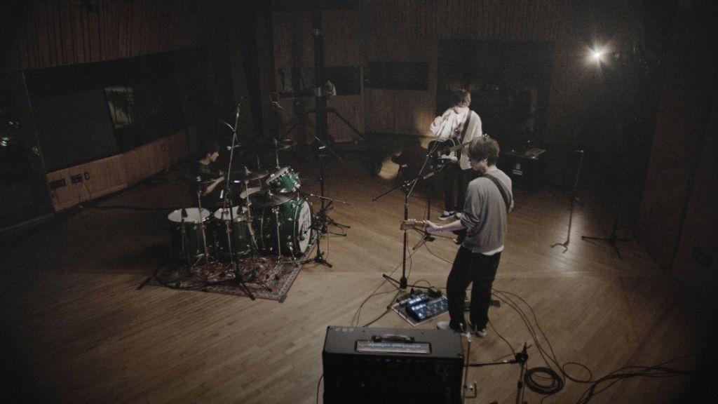 """BUMP OF CHICKEN take a dive in their Music Video for """"Nanairo"""""""