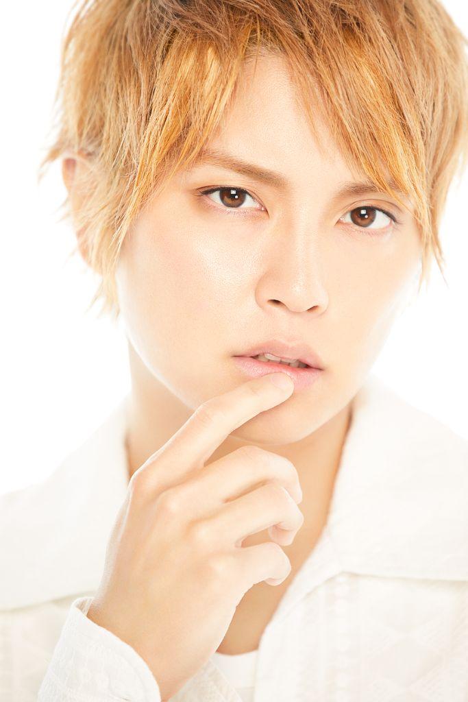 """Tegoshi Yuya Returns to Music with """"Cinnamon"""""""